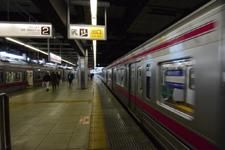 京王線の高幡不動駅の画像003