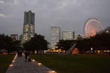 ランドマークタワーと大観覧車の夜景の画像001