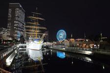 帆船日本丸と大観覧車の夜景の画像007