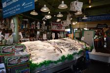 パイク・プレイス・マーケットの魚屋の画像002