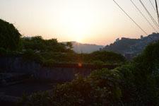 長崎市の街に沈む夕日の画像002