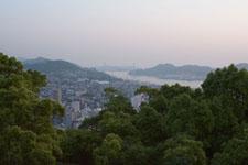 高台から見下ろす長崎港
