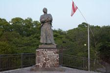 風頭公園の坂本龍馬之像の画像001