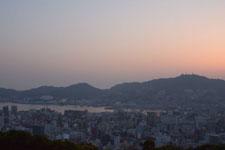 夕焼けの中の長崎港の画像001