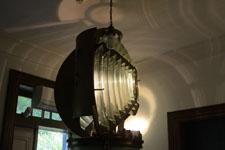 長崎市伊王島の灯台のライトの画像001