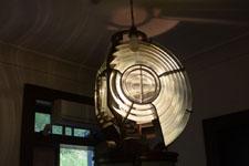 長崎市伊王島の灯台のライトの画像002