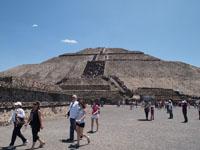 メキシコシティ近郊のテオティワカン遺跡の画像003