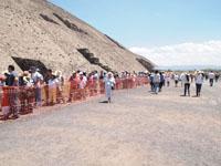 メキシコシティ近郊のテオティワカン遺跡の画像004