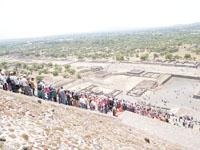 メキシコシティ近郊のテオティワカン遺跡の画像016