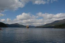 芦ノ湖に浮かぶ海賊船の画像002