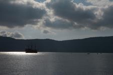 芦ノ湖に浮かぶ海賊船の画像005