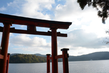 箱根神社の鳥居と芦ノ湖の画像002