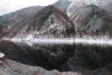 白川郷の川の画像008