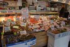 パイク・プレイス・マーケットの魚屋の画像001