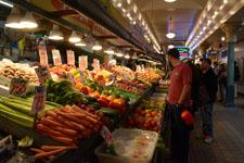 パイク・プレイス・マーケットの八百屋の画像002