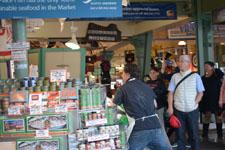 パイク・プレイス・マーケットの魚屋の画像006