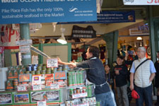パイク・プレイス・マーケットの魚屋の画像007