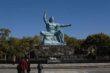 長崎の平和祈念像の画像003