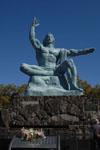 長崎の平和祈念像の画像004