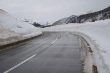 南魚沼郡湯沢町の雪の画像001