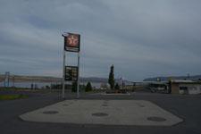 ハイウェイのガソリンスタンドの画像002