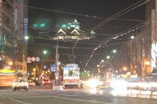 ライトアップされた熊本城の天守閣の画像003