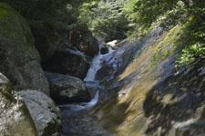 滑床渓谷の川の画像008