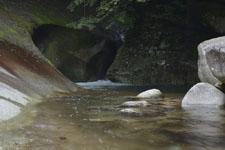 滑床渓谷の川の画像010