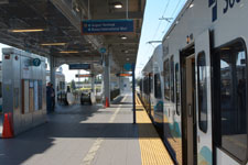 シアトル・タコマ国際空港の電車の画像004