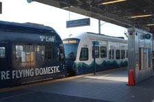 シアトル・タコマ国際空港の電車の画像001