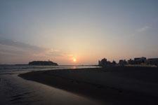 湘南の海と江の島に沈む夕日の画像002