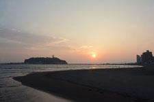 湘南の海と江の島に沈む夕日の画像004