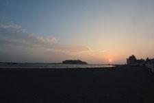 湘南の海と江の島に沈む夕日の画像006