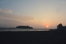 湘南の海と江の島に沈む夕日の画像007