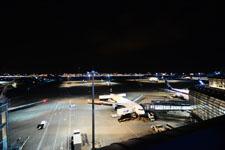 夜の成田国際空港の画像001