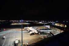 夜の成田国際空港の画像002