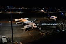 夜の成田国際空港の画像003
