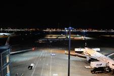 夜の成田国際空港の画像004