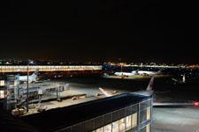 夜の成田国際空港の画像005