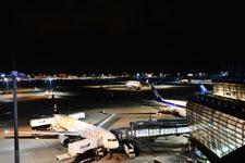 夜の成田国際空港の画像006