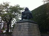 大月市の銅像