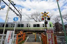 京王井の頭線井の頭公園駅の踏切の画像004
