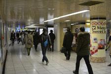 新宿の地下道の画像001