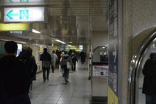 新宿の地下道の画像007