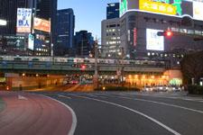 新宿 道路