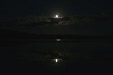 釧路湿原にかかる月の画像010
