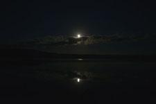 釧路湿原にかかる月の画像011