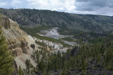 イエローストーン国立公園の渓谷の画像001