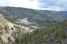 イエローストーン国立公園の渓谷の画像002
