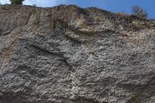 イエローストーン国立公園の岩山の画像001